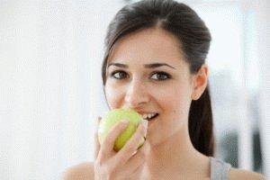 В яблоках много витаминов