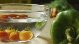 Мойте овощи кипячёной водой