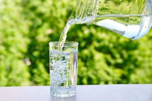Обильное питьё против запора