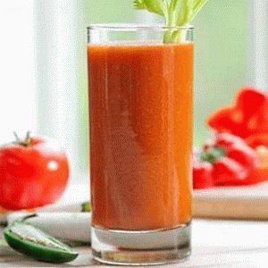 Овощной сок с томатом и зеленью