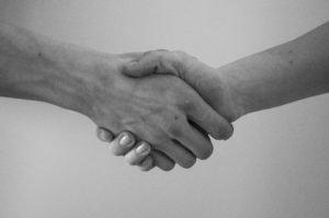 Рукопожатие как путь передачи инфекции