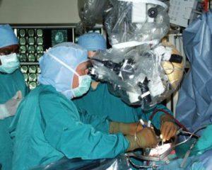 Операция на головном мозге