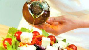 Свежий салат на масле