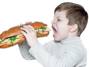 Переедание ребёнка