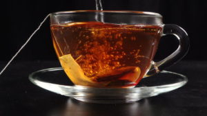 Горячий свежий чай
