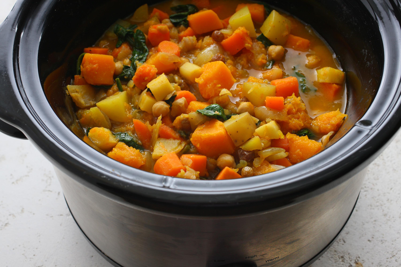 еда овощи тушеные изготовленные сортовой стали
