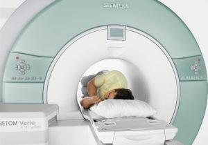 МРТ пациенту