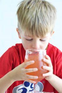 Питьевой режим мальчика