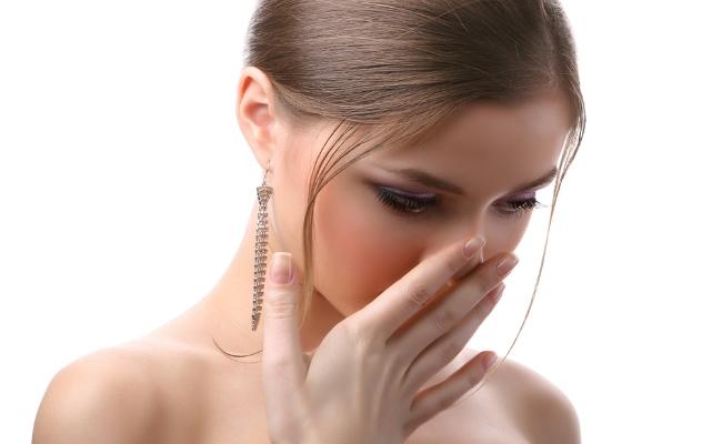 Запах гноя изо рта у ребенка причины и лечение