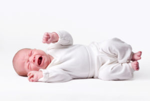 Колики у новорождённого ребёнка