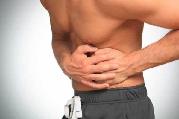 Боль под ребрами справа - симптом множества серьезных заболеваний: выясняем причины симптомов