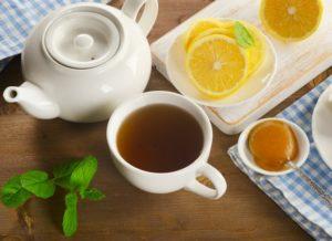 Крепкий чай с лимоном