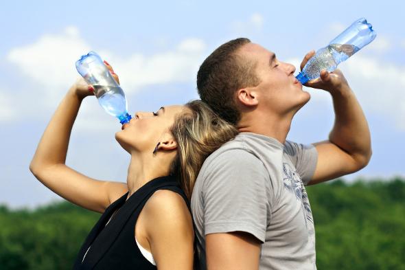 Минеральная вода от запоров: донат магния, как пить взрослым и детям