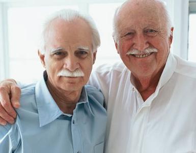 Бодрые пожилые мужчины