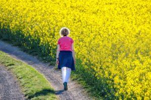 Прогулка пешком на свежем воздухе