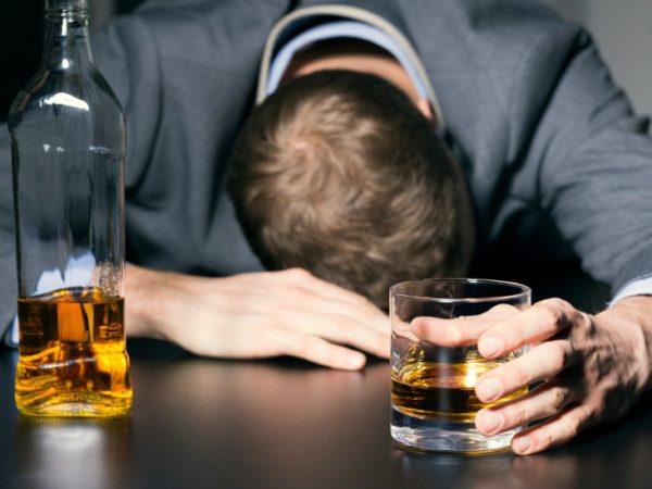 Алкоголика клонит в сон