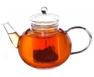 Большой чайник с чаем