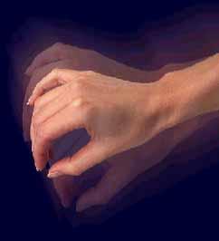 Дрожат руки у человека