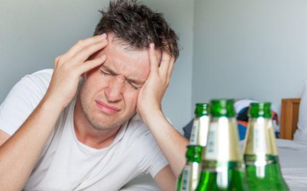 Голова болит с похмелья