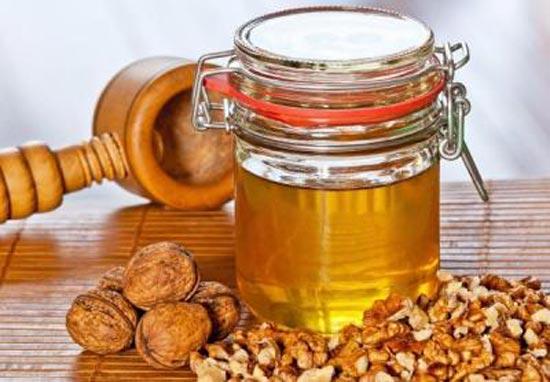 Грецкие орехи и мёд