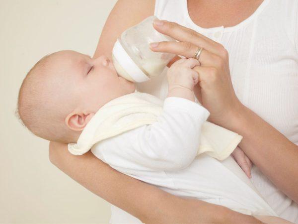 Смесь для кормления новорождённого