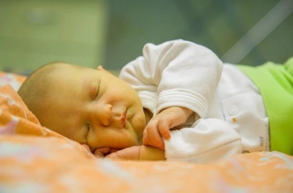 Желтушка у новорождённого